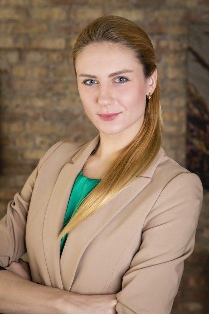 Iryna-Auchynnikava-Headshot